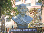 Gandhi, 1